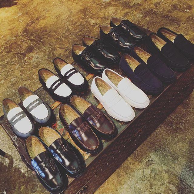 MANEBU SHOES SNEAKER-SOLEマネブのシューズはスニーカーソール。ホワイト以外はブラックラバーなのね。#manebu #shoes #sneakers #シューズ#靴 #fashion #マネブ #スニーカー #ファッション #follow #followme #instagood #instafashion #通販#mood #alleycompany #alleyonlineshop #セレクトショップ - from Instagram