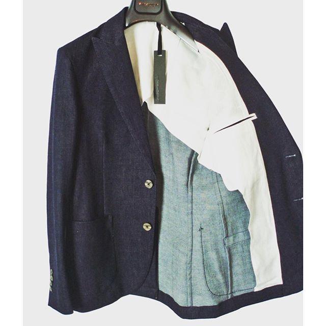 MESSAGERIE メッサジェリエストレッチデニム 2Bジャケット柔らかく伸縮性のあるストレッチデニムのジャケット。ピークドラペルに本切羽仕様です。セットアップパンツあります。#messagerie #メッサジェリエ#mood #alleycompany #alleyonlineshop #jacket #ジャケット #テーラードジャケット #denim #デニム #fashion #ファッション#2016sscollection #instagood #follow #followme #新作 #春夏 #通販 #栃木 #宇都宮 #instafashion - from Instagram