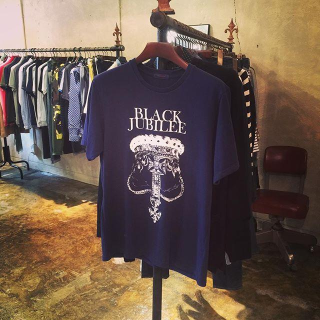 UNDERCOVER T-SHIRTアンダーカバーのプリントTシャツ。#undercover #アンダーカバー #mood #alleycompany #alleyonlineshop #tshirt #tシャツ #fashion #ファッション #ファッションアイテム #宇都宮 #通販 #セレクトショップ #栃木 #follow #followme #instafollow #instagood #instalike #instafashion - from Instagram