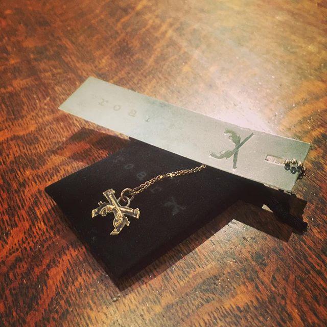 roar 18k GOLD PLATING NECKLACE SILVER925ロアーのシルバーネックレス、こちらは18金加工です。シルバーオンリーもあります。#roar #ロアー #mood #alleycompany #alleyonlineshop #instafashion #instacool #instagood #ファッション #ファッションアイテム #accessory #accessories #アクセサリー #シルバーアクセサリー #necklace #ネックレス #通販 #栃木 #宇都宮 - from Instagram