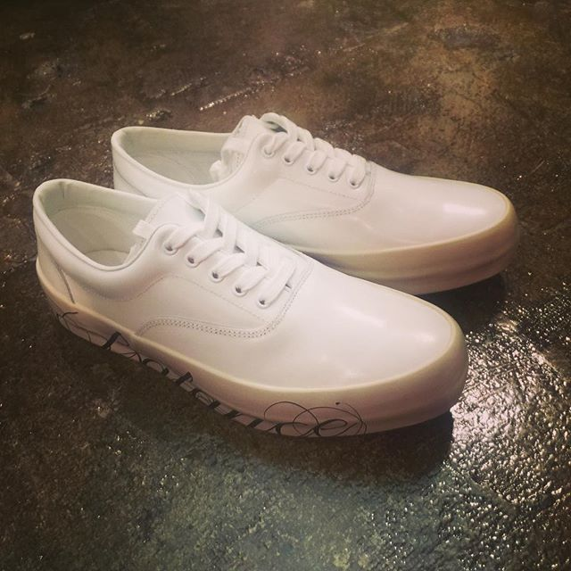 UNDERCOVER chaos/balance sneakers UCR4F02-1アンダーカバー 2016AW レザースニーカー。#undercover #undercoverism #アンダーカバー #アンダーカバーイズム #sneakers #sneakers #スニーカー #mood #alleycompany #alleyonlineshop #instafashion #instagood #instacool #instafollow #fashion #fashiongram #ファッション #メンズファッション #ファッションアイテム #宇都宮 #宇都宮セレクトショップ #通販 - from Instagram