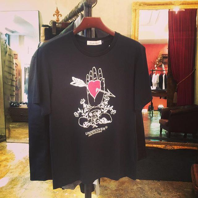 UNDERCOVER heart TEE blackアンダーカバーのハートTシャツ、ブラックです。#undercover #undercoverism #アンダーカバー #アンダーカバーイズム #mood #alleycompany #alleyonlineshop #fashion #fashiongram #fashionista #ファッション #メンズファッション #ファッションアイテム #tシャツ #tshirt #tshirts #instafashion #instagood #instacool #instalike #新作 #通販 #栃木 #通販サイト #宇都宮 - from Instagram