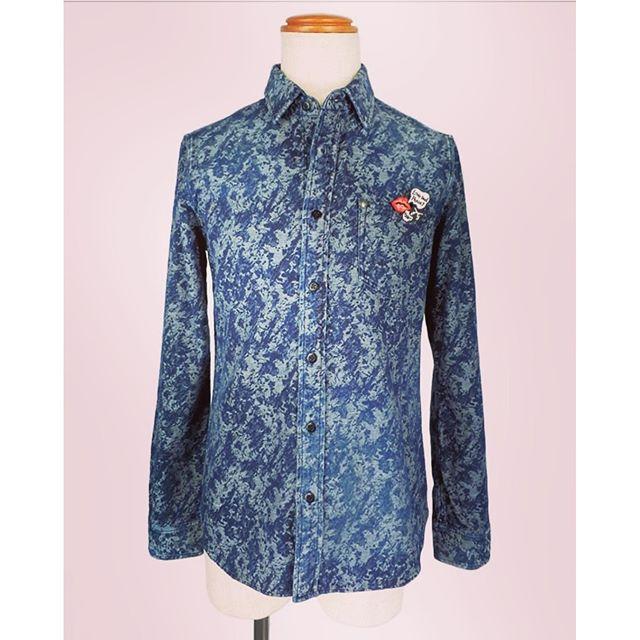 roar shirts LIP LOVE&PEACE BADGE / SPLASH JACQUARD CHAMBRAYロアーのジャカード織りのシャンブレーシャツです。バッヂも付いています。#roar #ロアー #shirts #シャツ #jacquard #ジャガード #シャンブレー #mood #alleycompany #alleyonlineshop #fashion #fashionmen #ファッション #メンズファッション #ファッションアイテム #通販 #栃木 #宇都宮 #通販可能 #お洒落さんと繋がりたい #繋がりたい #r_fashion - from Instagram