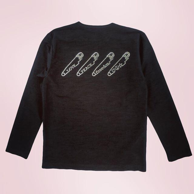 "roar ""SAFETY PIN"" SWAROVSKI METAL#roar #roarguns #ロアー #mood #alleycompany #alleyonlineshop #ロンt #tシャツ #fashion #fashiongram #ファッション #メンズファッション #instafashion #instalike #instagood #instacool #セレクトショップ #オシャレ #宇都宮 #栃木 #お洒落さんと繋がりたい #おしゃれさんと繋がりたい - from Instagram"