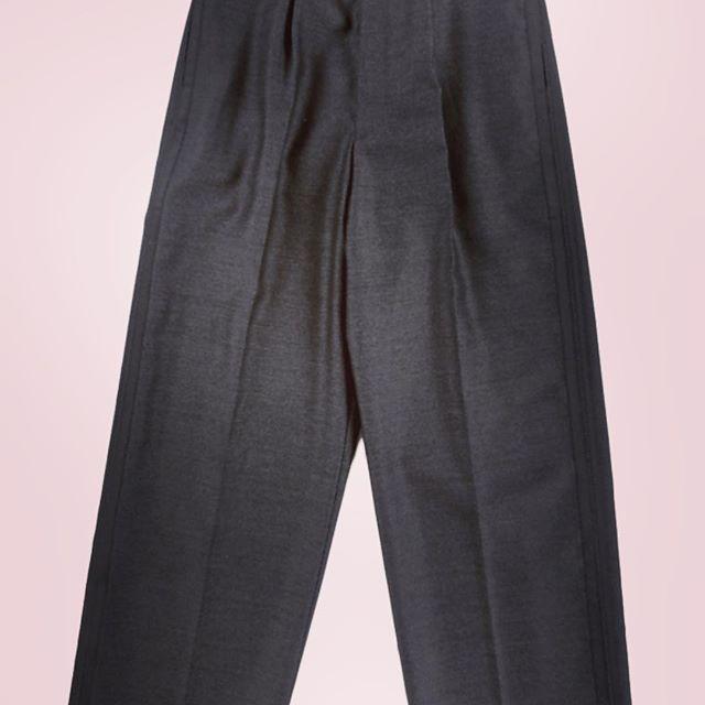 THE RERACS COMMAND DRESS WIDESLACK最近リラクスばかりアップしてますが(^-^;ウールドレスワイドスラックスパンツ。#thereracs #reracs #リラクス #ザリラクス #mood #alleyonlineshop #alleycompany #widepants #pants #slacks #ワイドパンツ #ワイドスラックス #スラックス #パンツ #instacool #instalike #instagood #instafashion #fashion #fashionista #fashiongram #ファッション #メンズファッション #宇都宮 #栃木 #セレクトショップ #お洒落さんと繋がりたい #おしゃれさんと繋がりたい - from Instagram