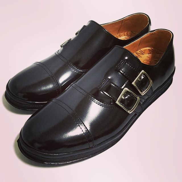MANEBU マネブROAR FACE SKINダブルモンクストラップシューズ/スニーカー#manebu #マネブ #mood #ムード #alleyonlineshop #alleycompany #shoes #sneakers #シューズ #靴 #スニーカー #fashion #fashiongram #ファッション #メンズファッション #instafashion #instacool #オシャレさんと繋がりたい #お洒落な人と繋がりたい #おしゃれさんと繋がりたい #お洒落さんと繋がりたい #r_fashion #セレクトショップ #宇都宮 #栃木 - from Instagram
