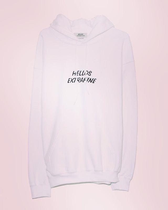 HELLOS EXTRAFINE ハローズエクストラファイン プルオーバー パーカー ホワイト Logo hooded sweatshirt 9183-11-004#hellosextrafine #ハローズエクストラファイン #mood #alleycompany #alleyonlineshop #parka #パーカー #fashion #fashiongram #instafashion