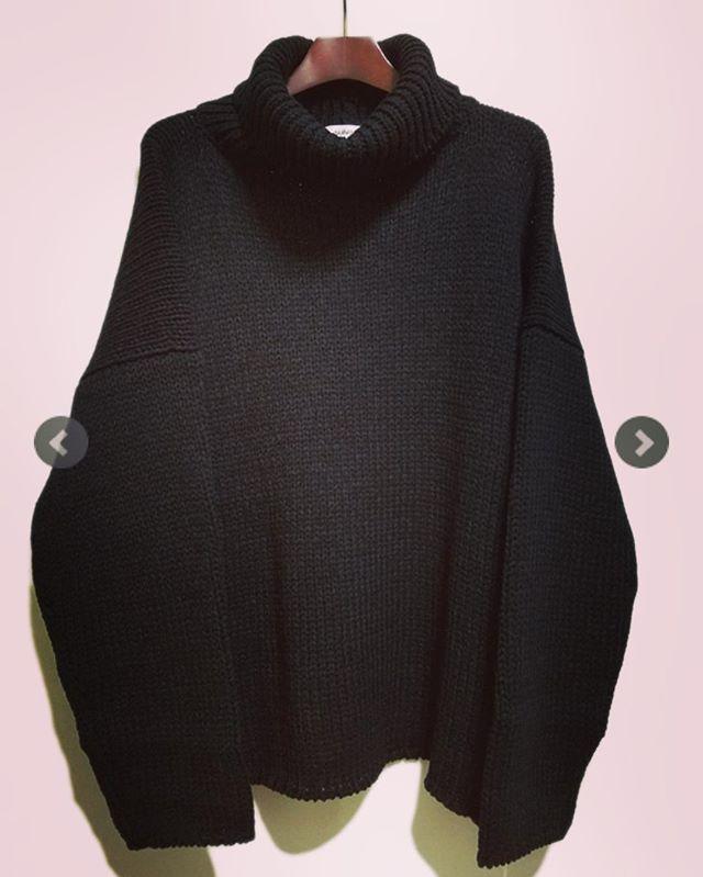 sulvam サルバム タートルネックニット ブラック SI-K10-850 **#sulvam #サルバム #ニット #オーバーニット #ビッグシルエット #ブラック #モード #コレクション #モードファッション #fashion #fashiongram #ファッション #メンズファッション #instafashion #mensfashion #ファッション通販 #通販サイト #セレクトショップ #オンライン #ネットショップ #おしゃれさんと繋がりたい #お洒落さんと繋がりたい #おしゃれな人と繋がりたい #alleycompany #alleyonlineshop