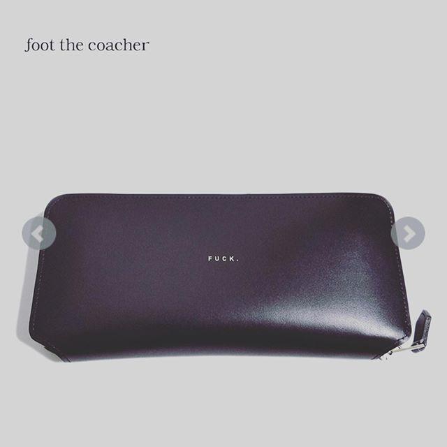 foot the coacher フットザコーチャー ラウンドファスナー ロングジップウォレット ブラック LONG ZIP WALLET (FUCK VER.) FTA1834001