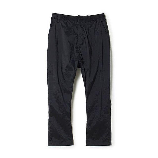 White Mountaineering ホワイトマウンテニアリング STRETCHED TAPERED PANTS ストレッチテーパードパンツ ブラック WM2071416 / パンツ