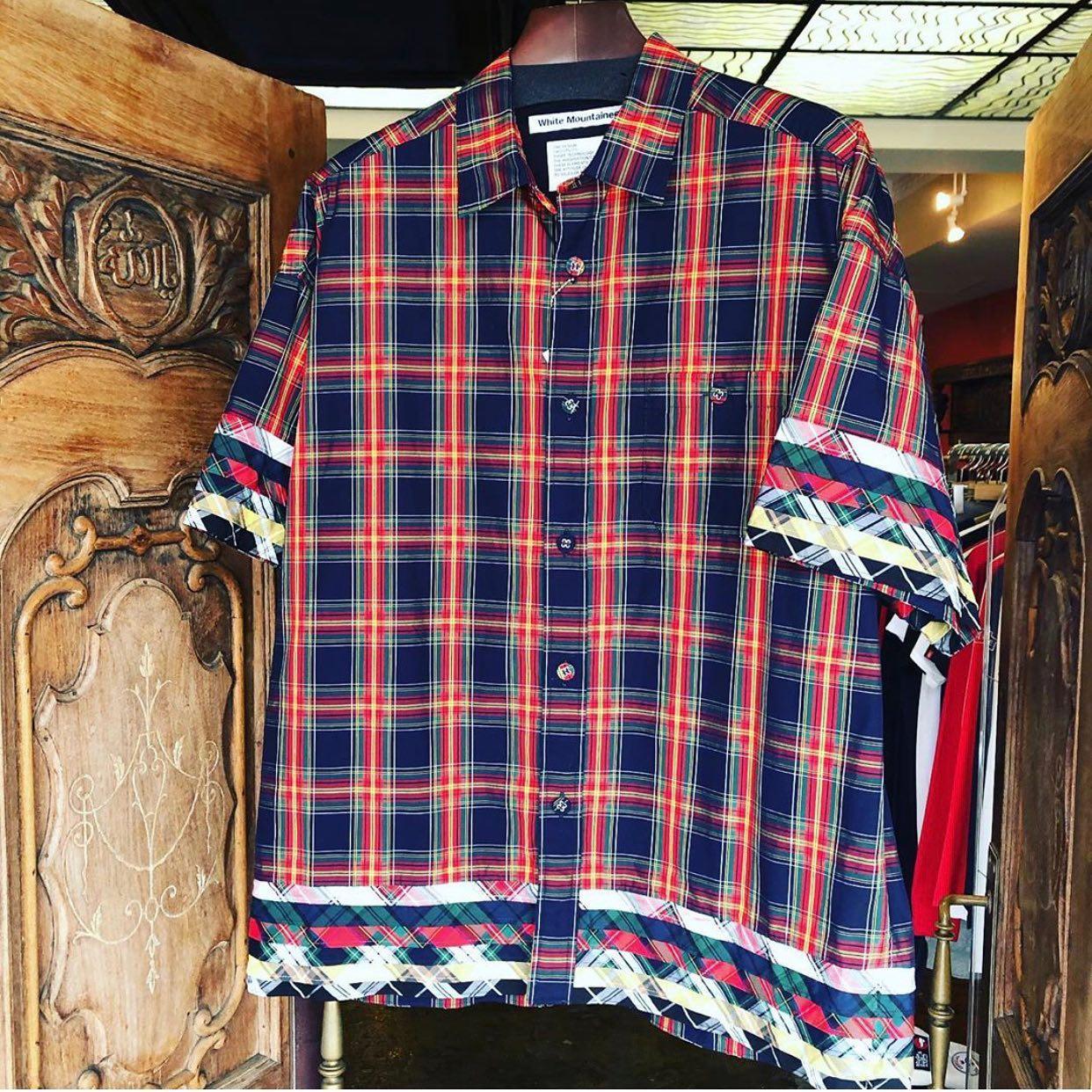 【商品紹介】White Mountaineering ホワイトマウンテニアリング MULTI TARTAN CHECK BIG HALF SLEEVES SHIRT マルチタータンチェック 5分袖ビッグシャツ ネイビー WM2071112ワイドシルエットのチェック柄半袖シャツ。袖や裾に複数生地を重ね合わせたインパクトと手の込んだシャツになります。ALLEY OnlineShopプロフィール、商品タグからECサイトもご覧頂けます。お問い合わせはサイトからお気軽にご連絡下さい。#whitemountaineering #ホワイトマウンテニアリング