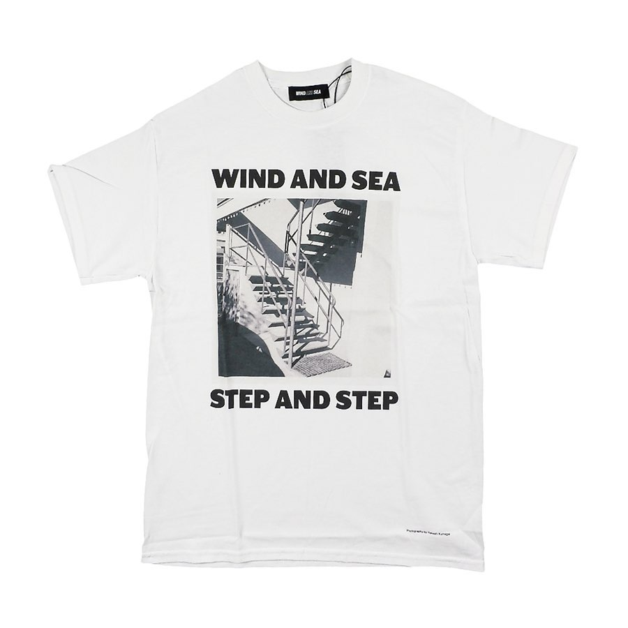 WIND AND SEA ウィンダンシー WDS (STEP AND STEP) PHOTO T-SHIRT Tシャツ ホワイト WDS-20A-CS-06